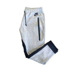 Nike Tech Cropped Sweat Pant